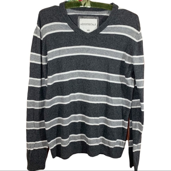 Aeropostale Gray /White Stripe Pull over Sweater M